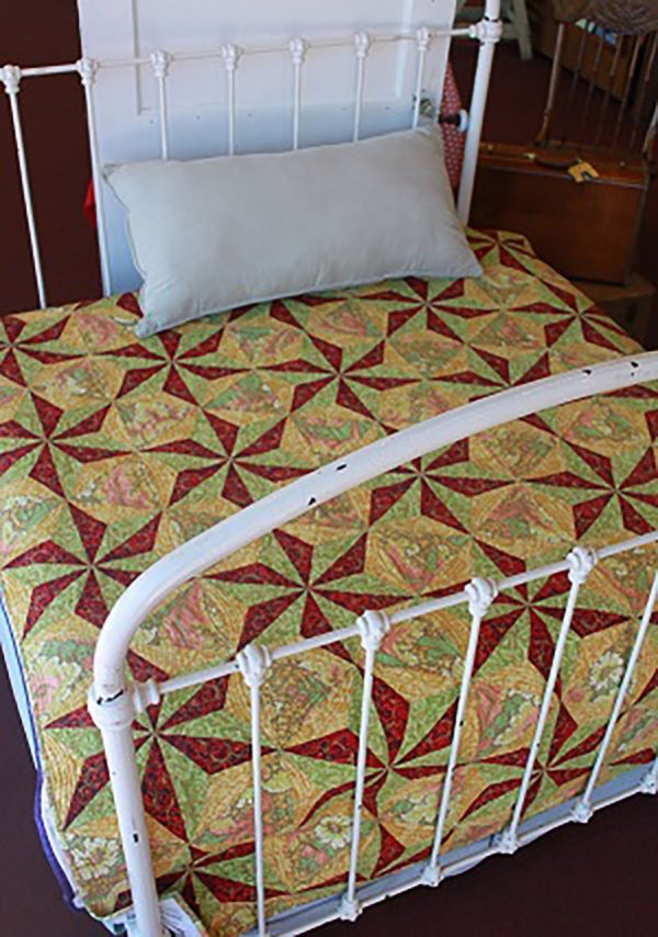 CLPCHE001 - Spinning Stars Quilt Pattern by Cut Loose Press