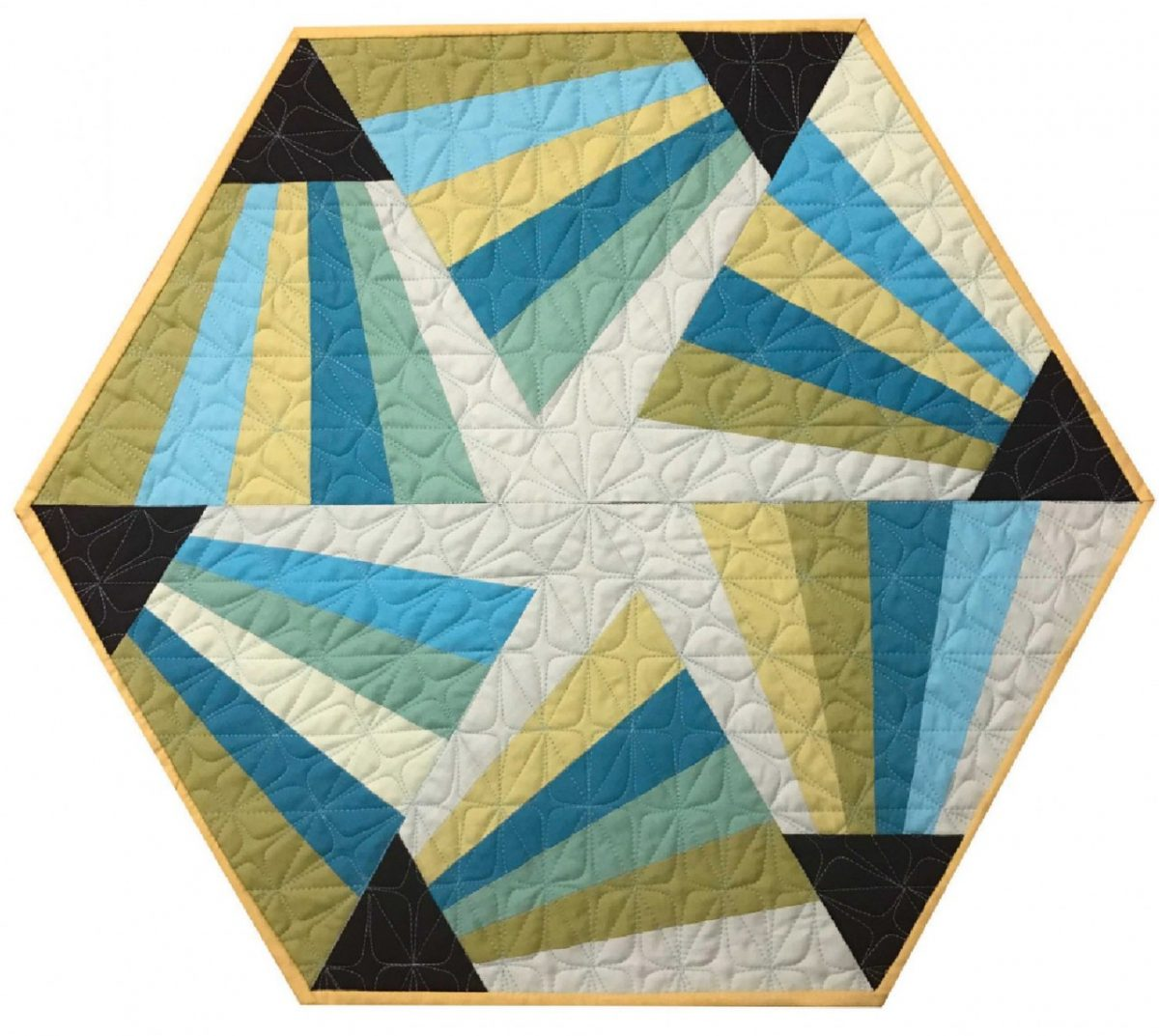 CLPCCA001 - Magic Triangle Table Topper Pattern by Cut Loose Press